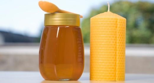 Amarres de amor con miel y otros elementos